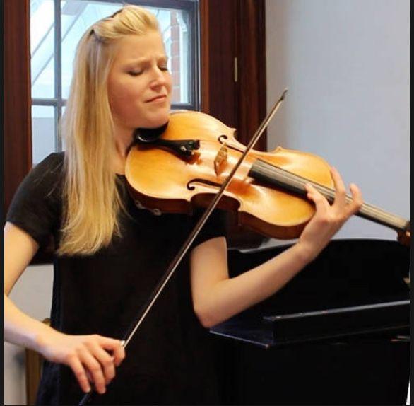 Hélène Clement playing the viola